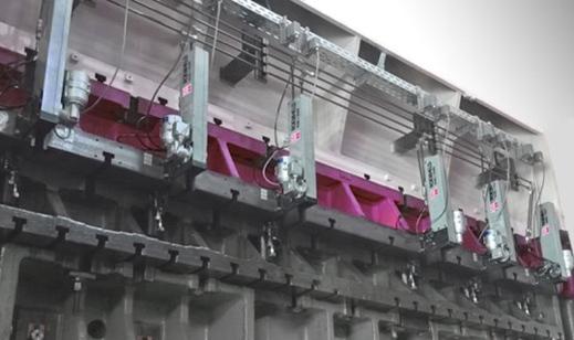 Elementi di bloccaggio Flexline su una pressa automatica