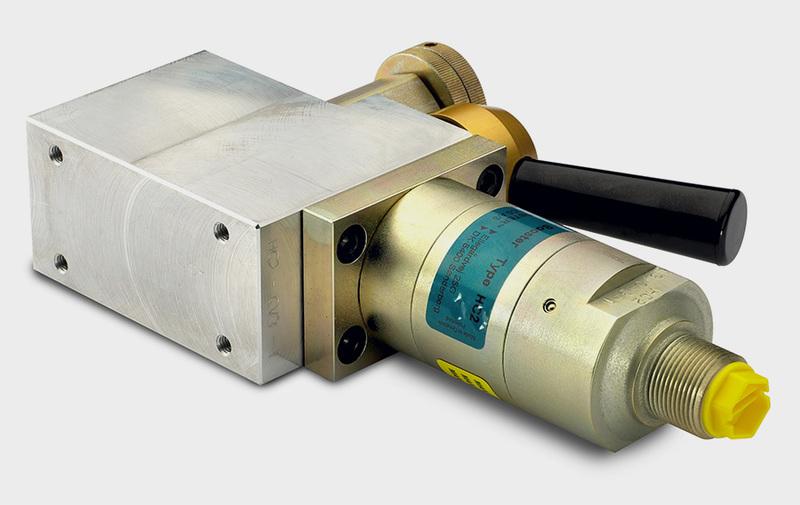 Gruppo CV3 - Corpo valvola con HC2, distributore, riduttrice e strozzatori - Camar S.p.A.