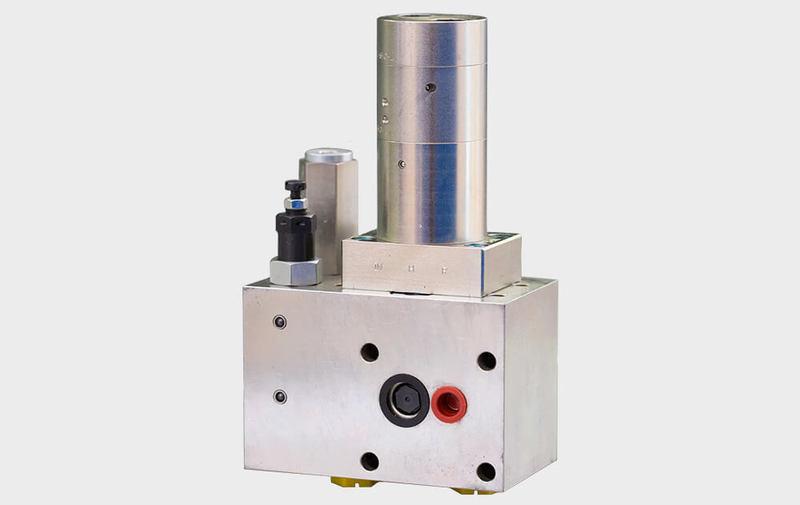 Gruppo M-HC-011 - Sistema di moltiplicazione M-HC-011 (fino a 700 bar) miniBOOSTER - Camar S.p.A